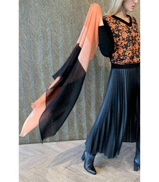 Sjaal met zwart en rozige tinten