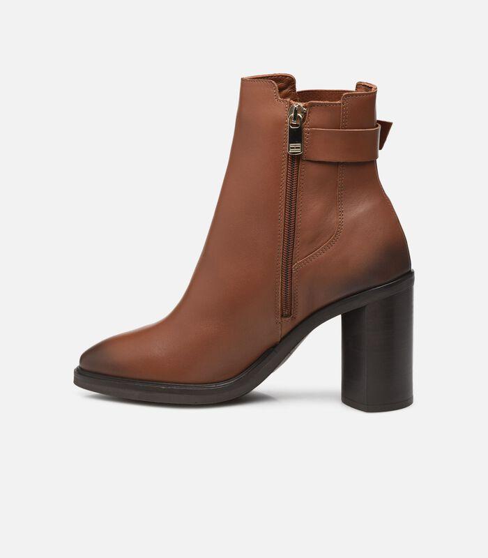 TH MONOGRAM HARDWARE HEEL BOOT Boots en enkellaarsjes image number 2