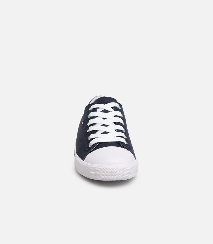 Low cut sneaker image number 1