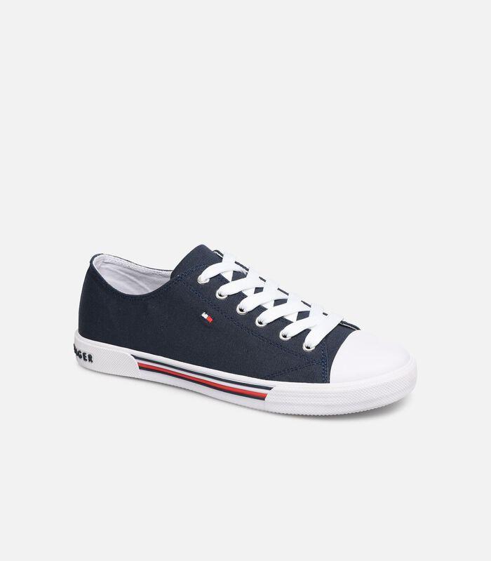 Low cut sneaker image number 0