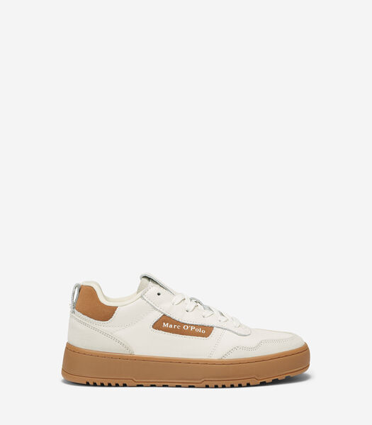 Court sneakers met honingkleurige rubberzool
