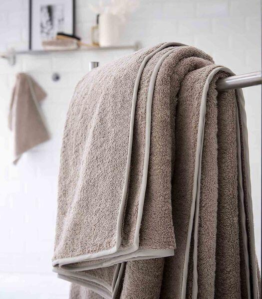 Luxe badhanddoek DIVINE van Egyptisch katoen 570 g