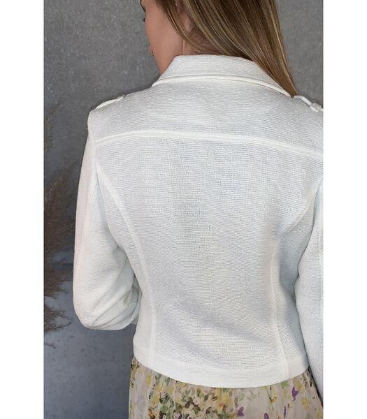 Mooi aansluitend wit jasje met reverskraag