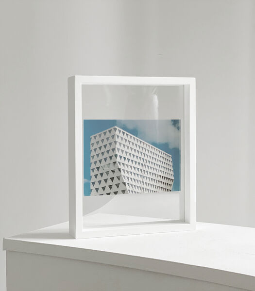 FLOATING Box 28 x 35.5 wit