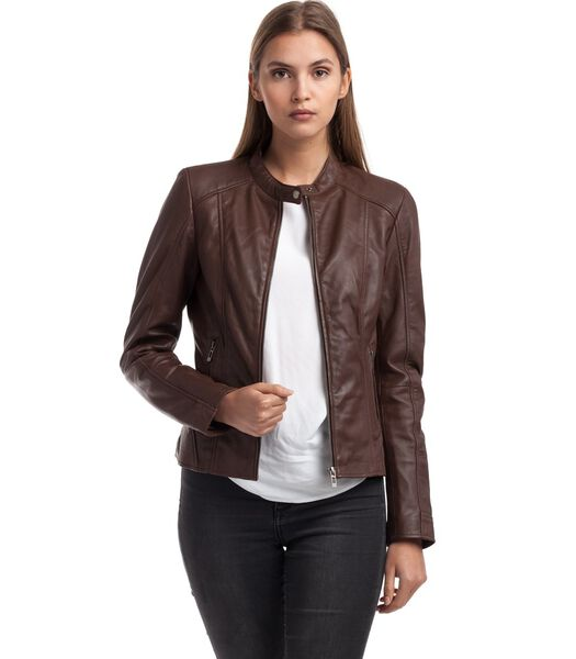 Angelina jas in schapenleer biker stijl
