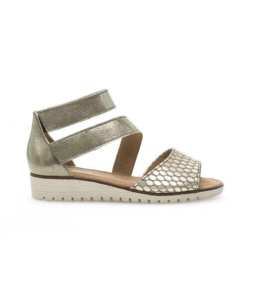 Leren sandalen met sleehakje