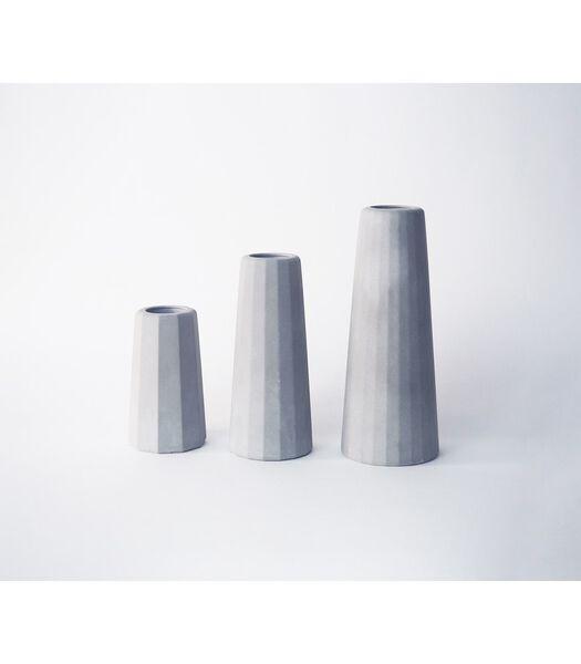 Vaas soliflore design in beton klein formaat, FACETTE
