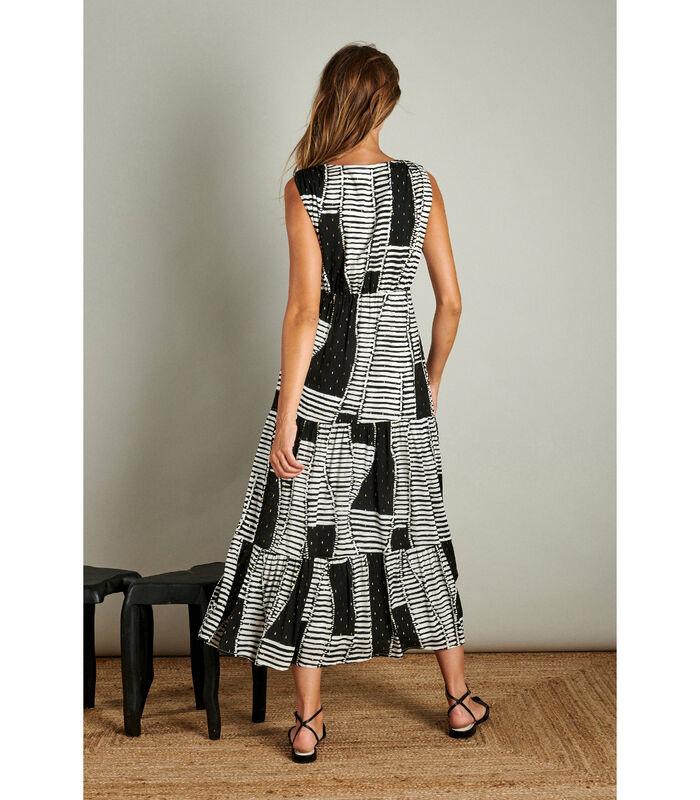 Vrouwelijke maxi jurk in een trendy patroon image number 1