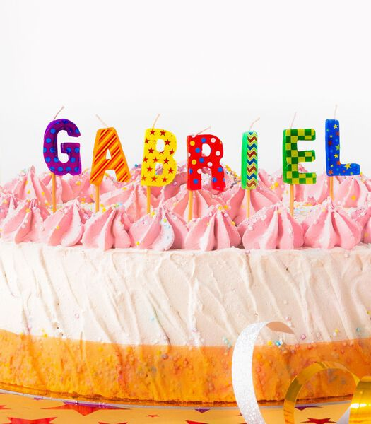 Verjaardagskaarsen namen Gabriel en Gabrielle